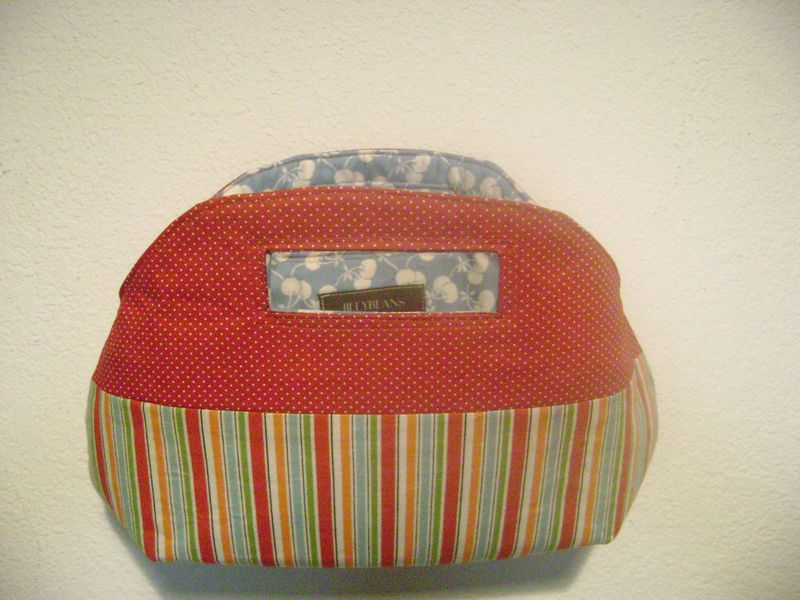 Red stripes purse 006